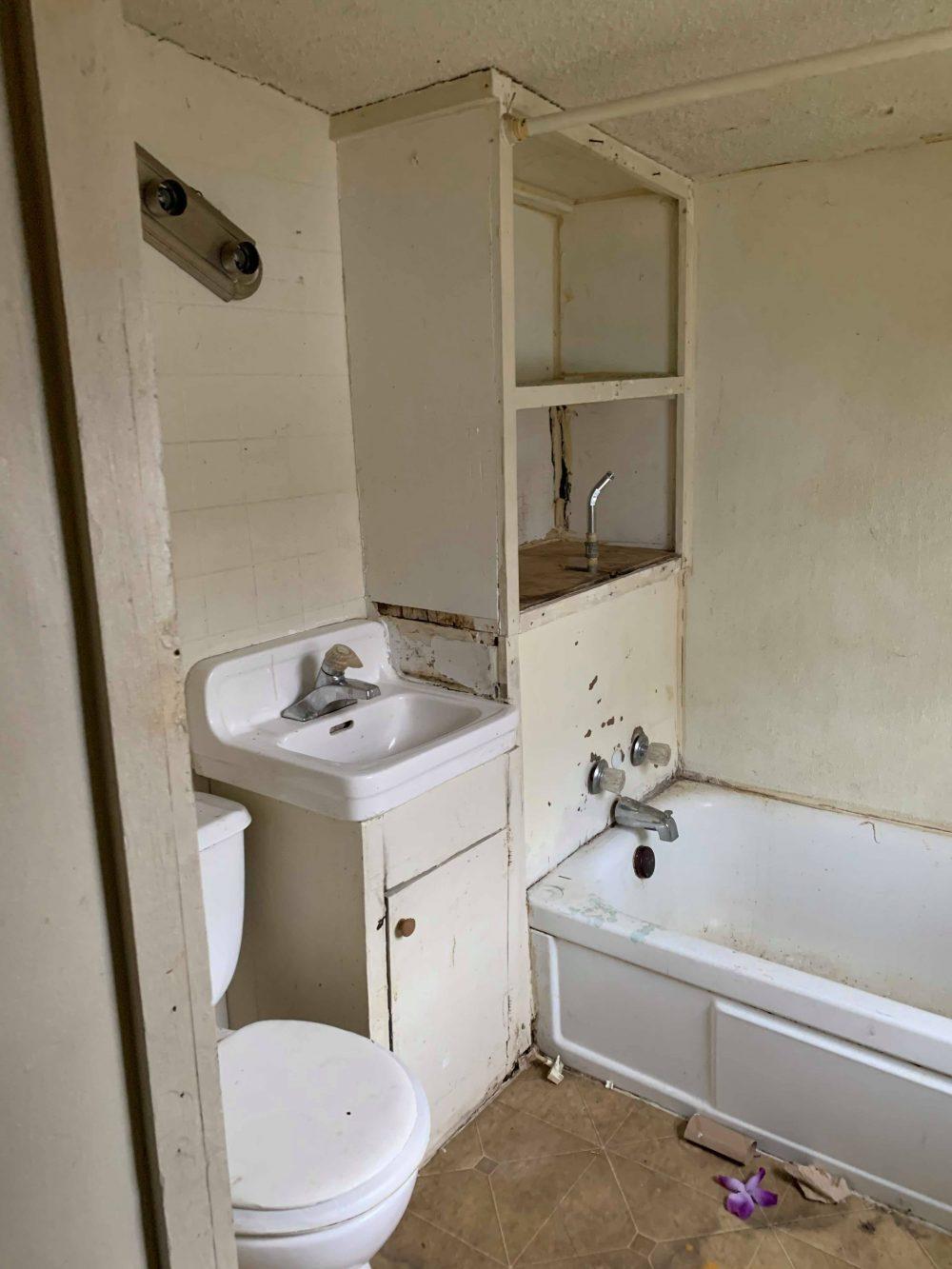14- bathroom