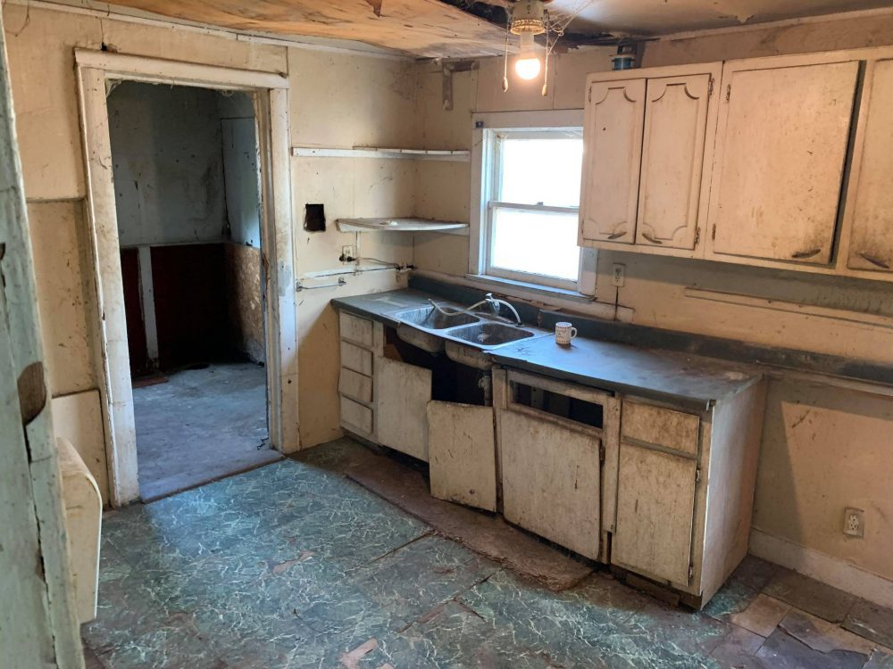 8- kitchen